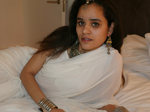 Jasmine Beauty Of India In White Sari Stripping Naked